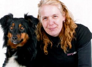 vrijwilligster met hond Bo