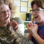 Kattenmanieren schrijft artikel over het inzetten van katten als zorgdier